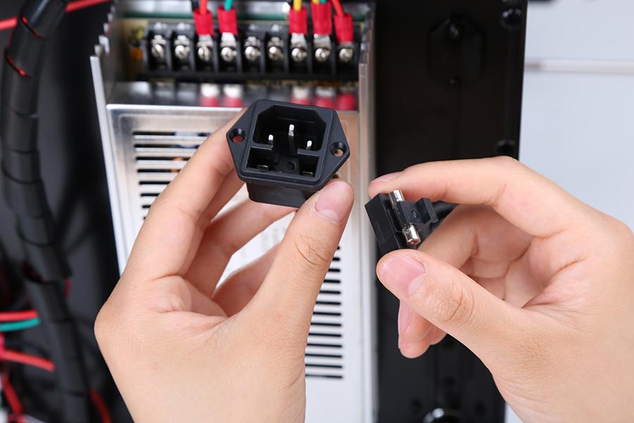 Remove the broken fuse