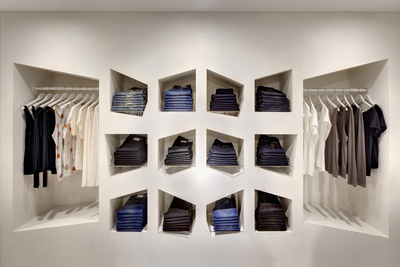 La boutique Sass & Bide, en Australie. Ces éléments visuels originaux, répondent à la demande sensorielle et esthétique des consommateurs.