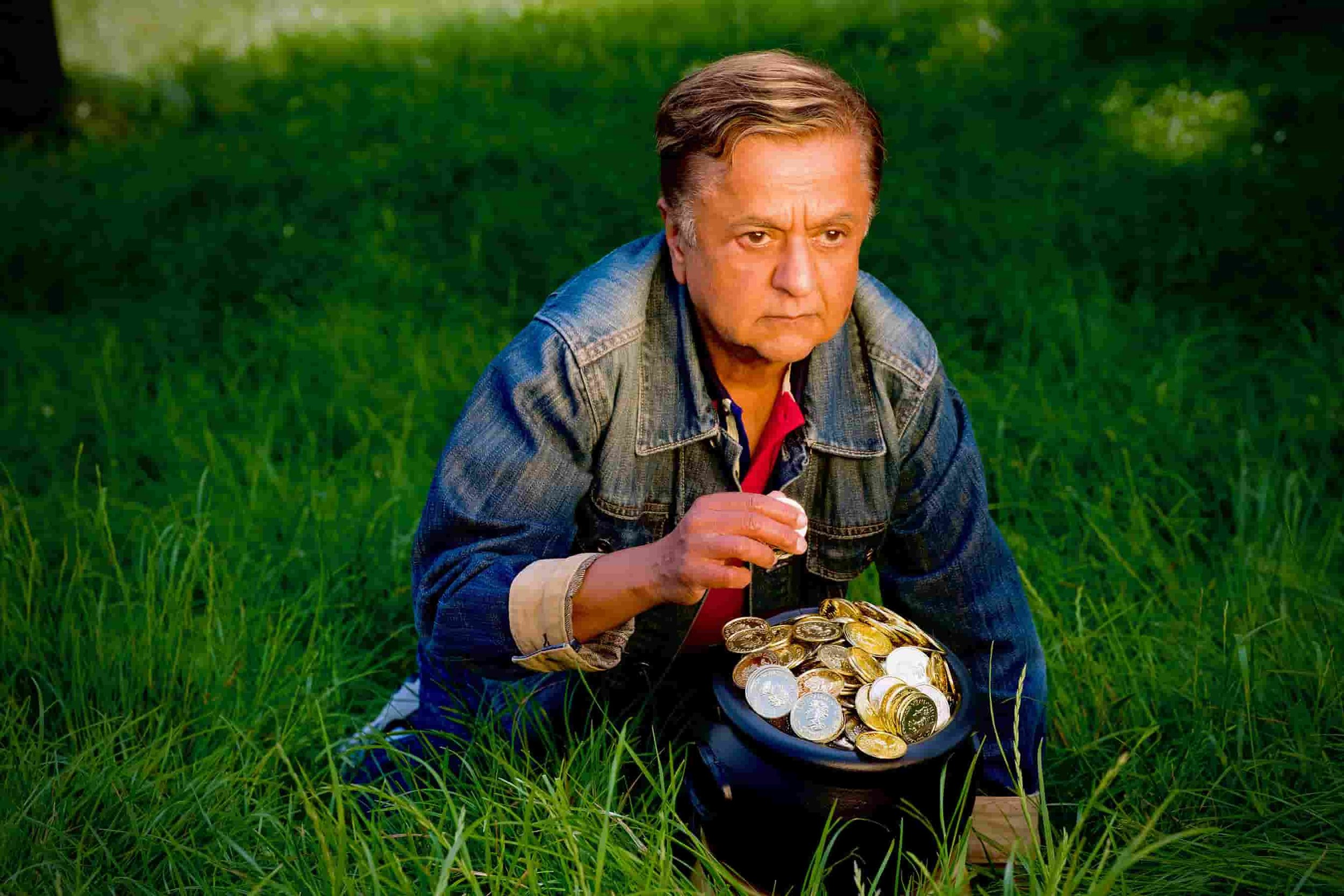 Deep Roy in God Came 'Round