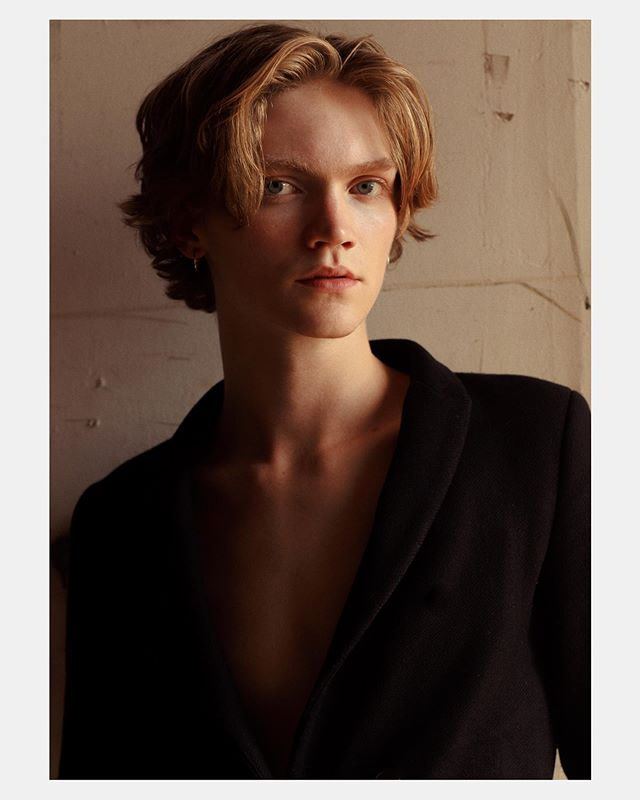Huxley  @dnamodels // This humidity in NYC right now is killing me 🥵