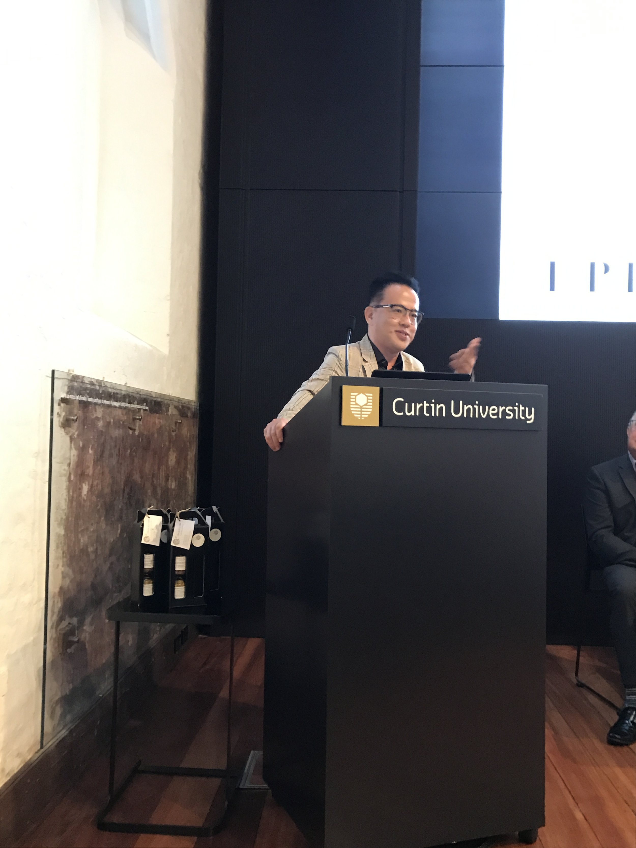 Prof. Ian Phau attends FACET Seminar in Perth