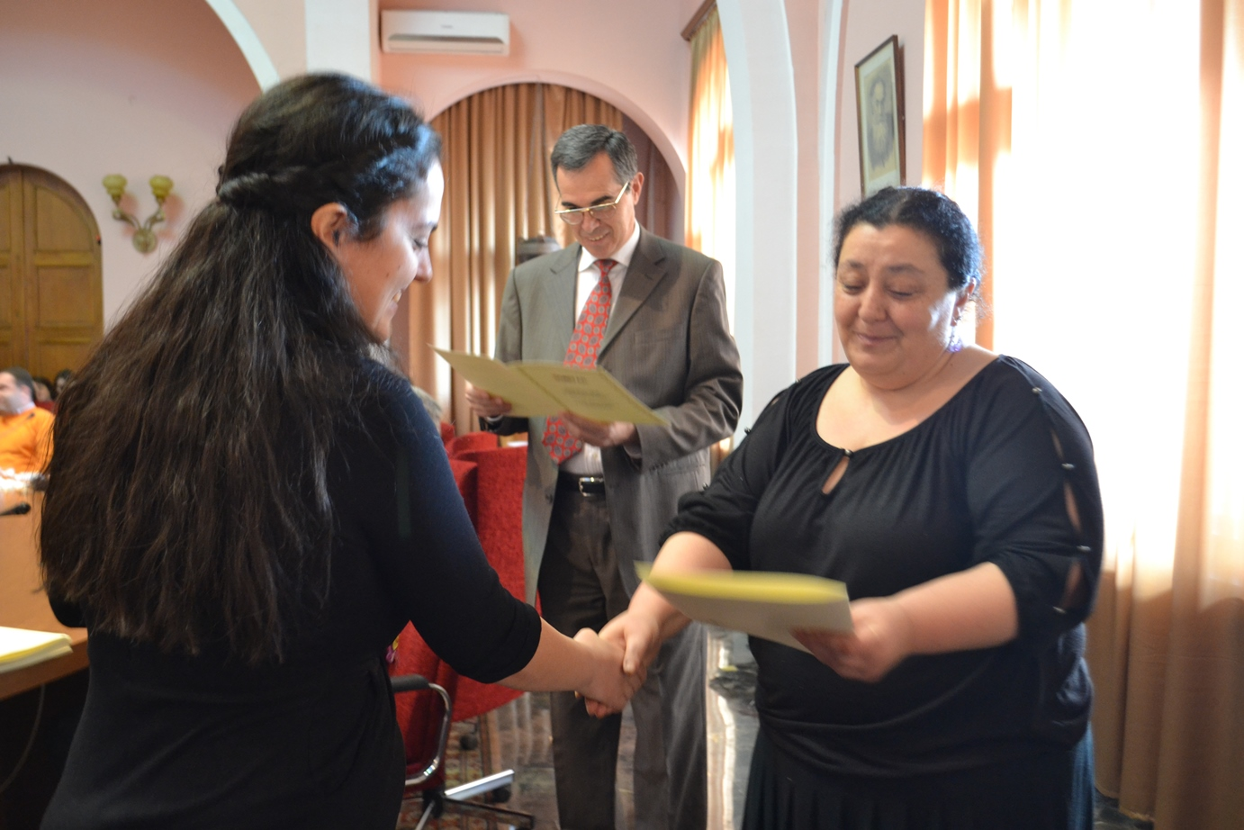 16.Margarit Piliposyan giving certificates to ANSEF 2014 awardees (1).JPG