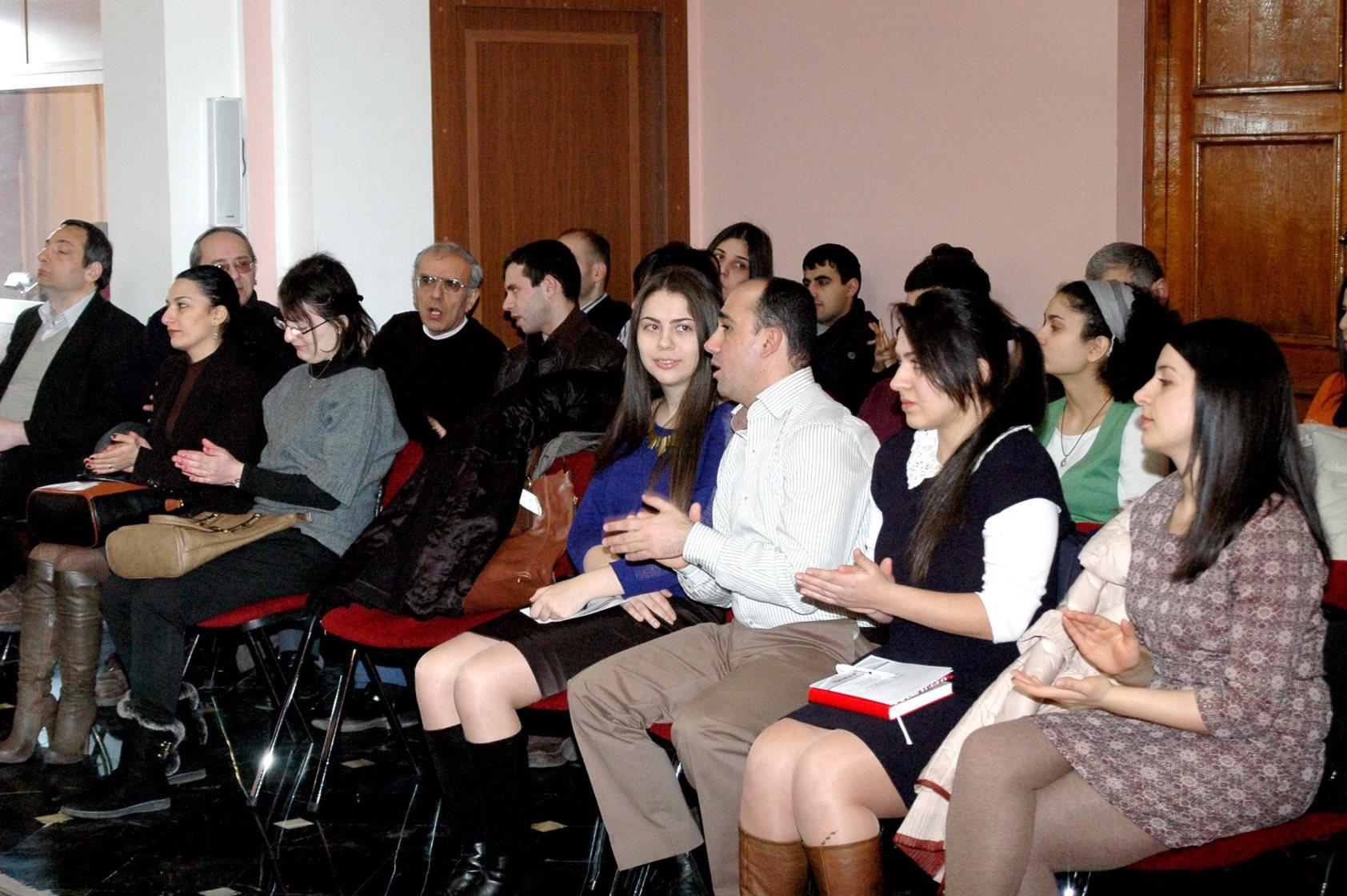 10ANSEF 2014  grant awarding ceremony (6).JPG
