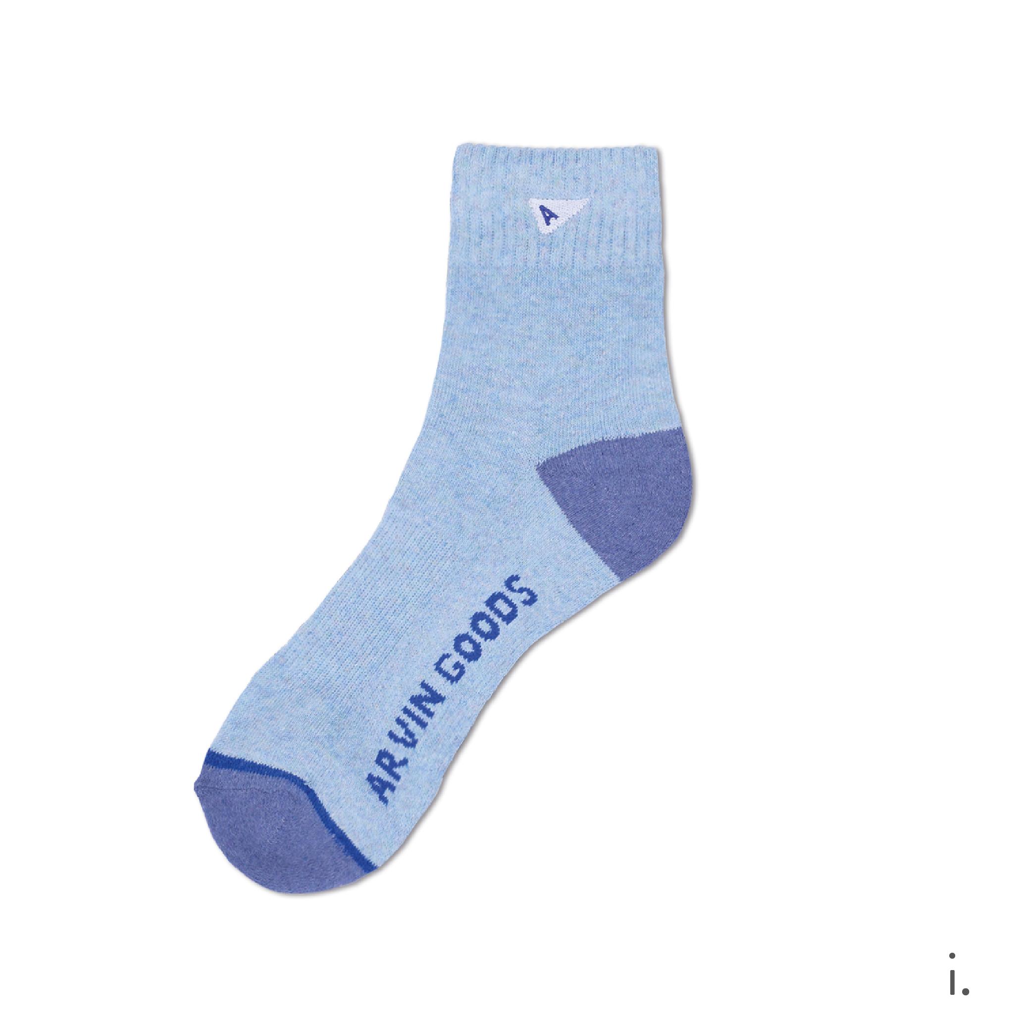 i. Light Blue & Blue Crew Sock-01.png