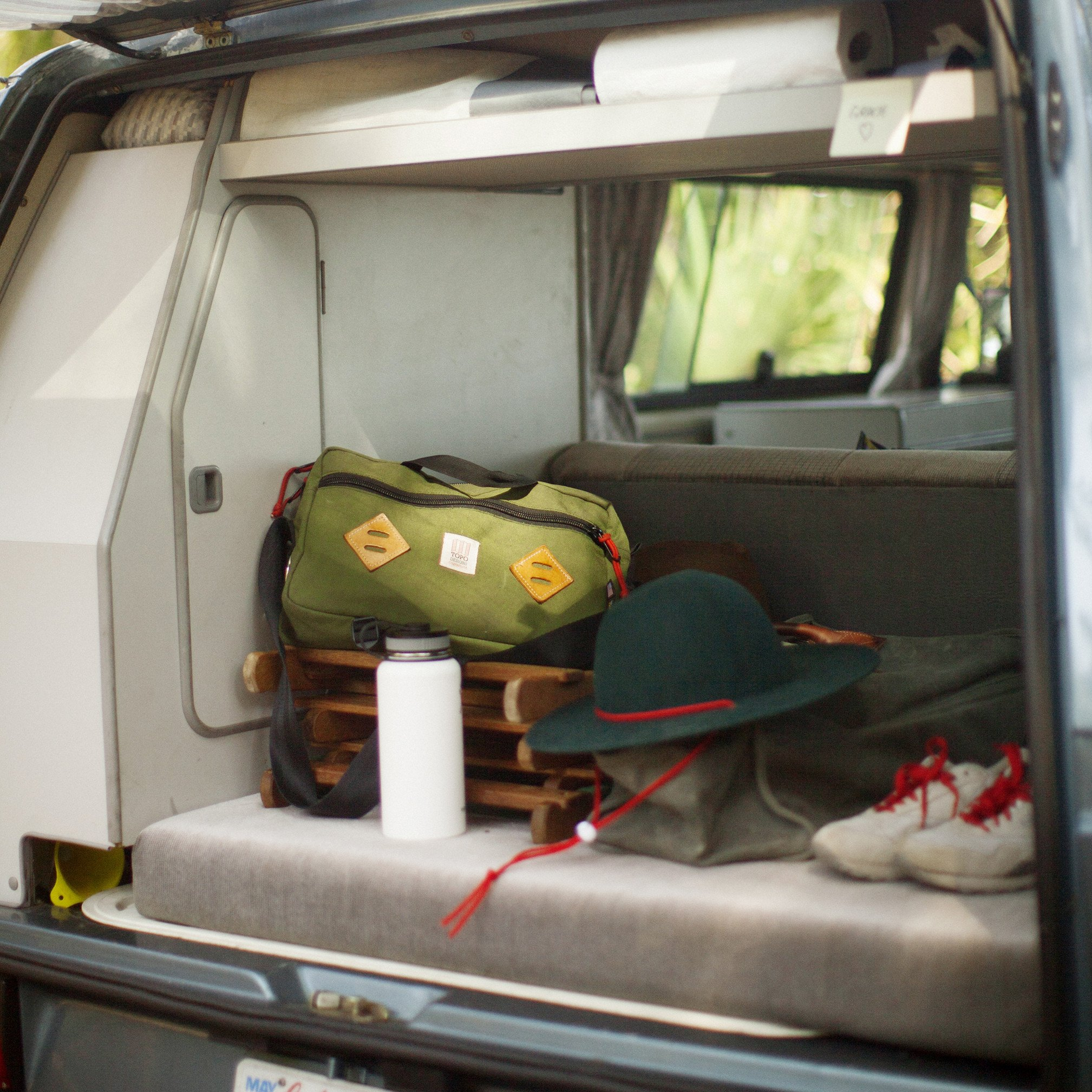 bags-mountain-briefcase-17_2048x2048.jpg