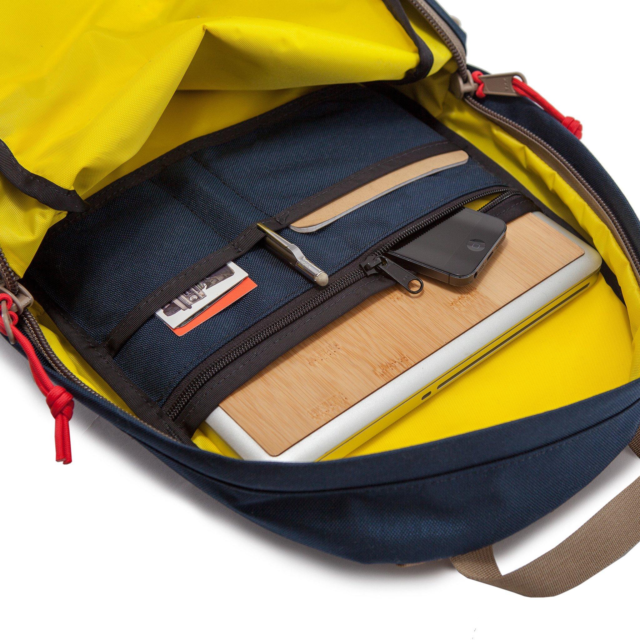 bags-daypack-interior_2048x2048.jpg