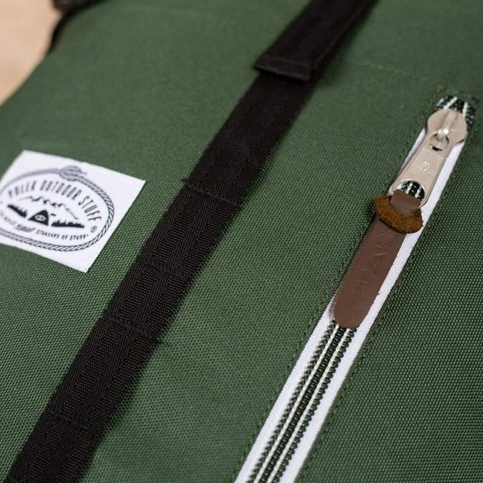 poler-classic-rolltop-rucksack-gruen-polbag_rero-leaf-green-mood-2.jpg
