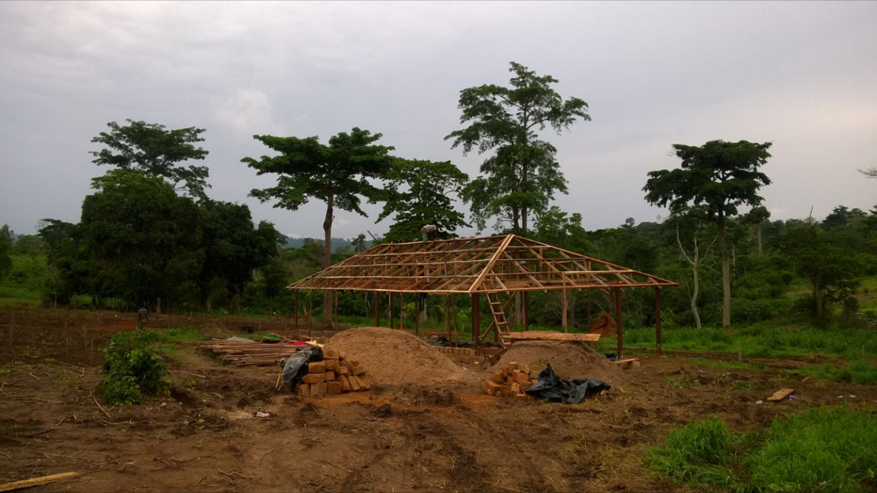 28. Farm Office bein built - March 2016.PNG