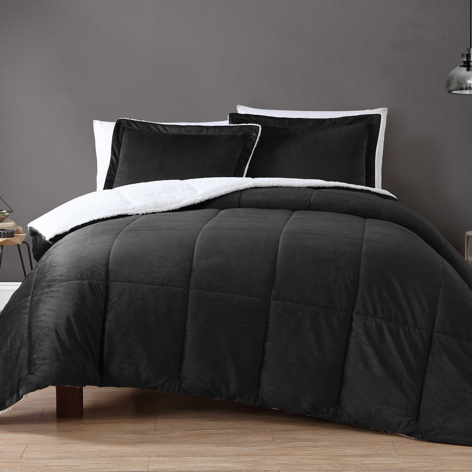 VCNY Velvet and Sherpa Comforter Set