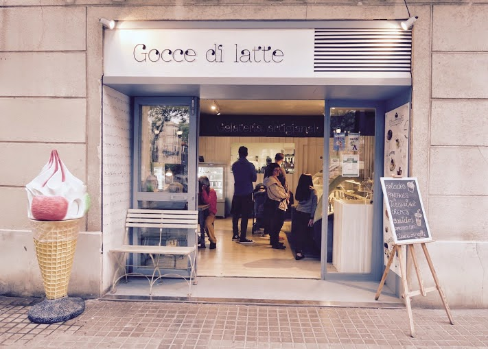 "3p.m. :  Gocce di Latte  ""I love ice cream infused with exotic flavors like sizchuan, basil, and cardamom."" Pla de Palau, 4; M: Barceloneta"