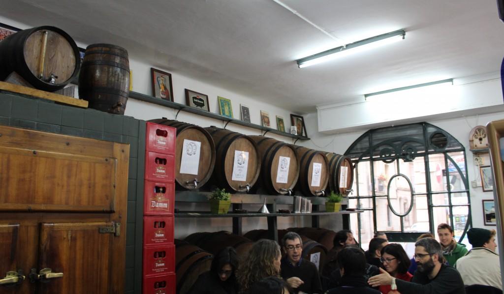 Bar Electricitat   Carrer de Sant Carles, 15; M: Barceloneta