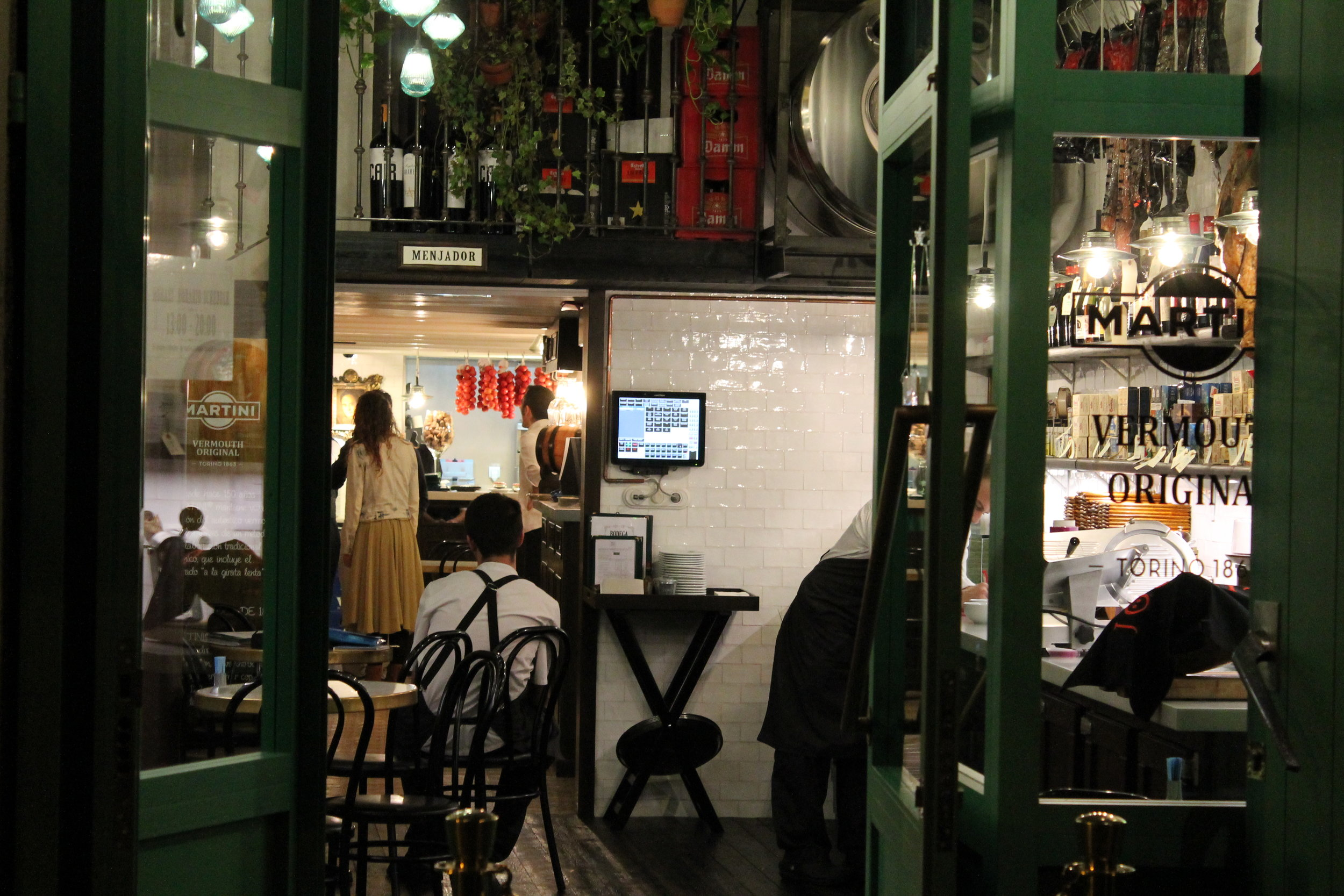 "2p.m. : Bodega 1900 ""Visiting Bodega 1900 is like stepping back to a better time."" c/Tamarit, 91; M: Poble Sec"