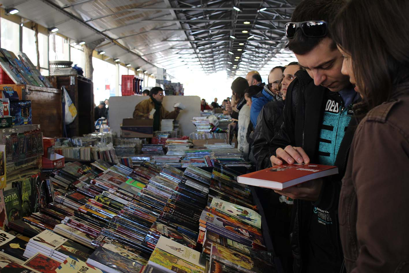 "10 a.m. :  Mercat Dominical  ""This flea market is a Sunday morning must."" c/Comte Urgell, 1; M: Sant Antoni"