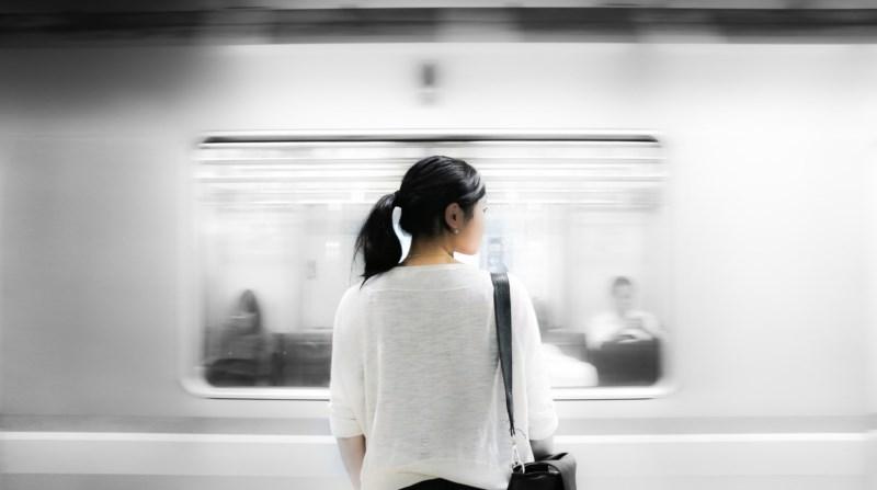 Restituer l'impression de mouvement - Malgré le caractère figé d'une photo, et grâce aux capacités de nos appareils photo, le mouvement du métro est restitué.