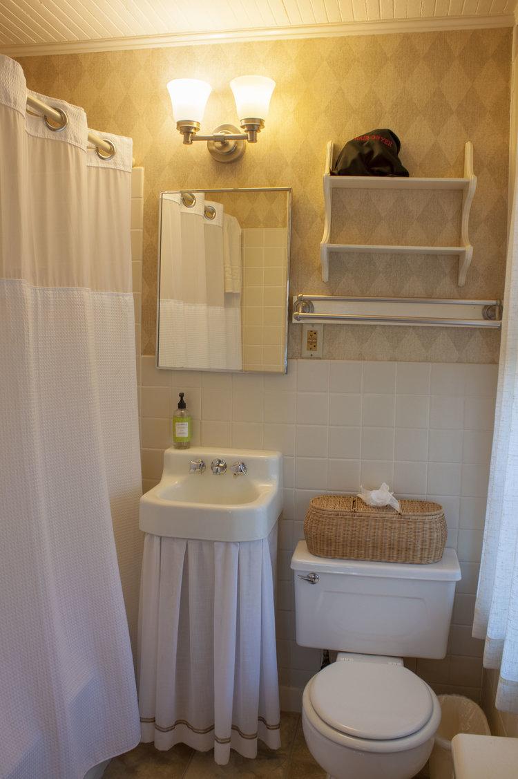 Room6b.jpg