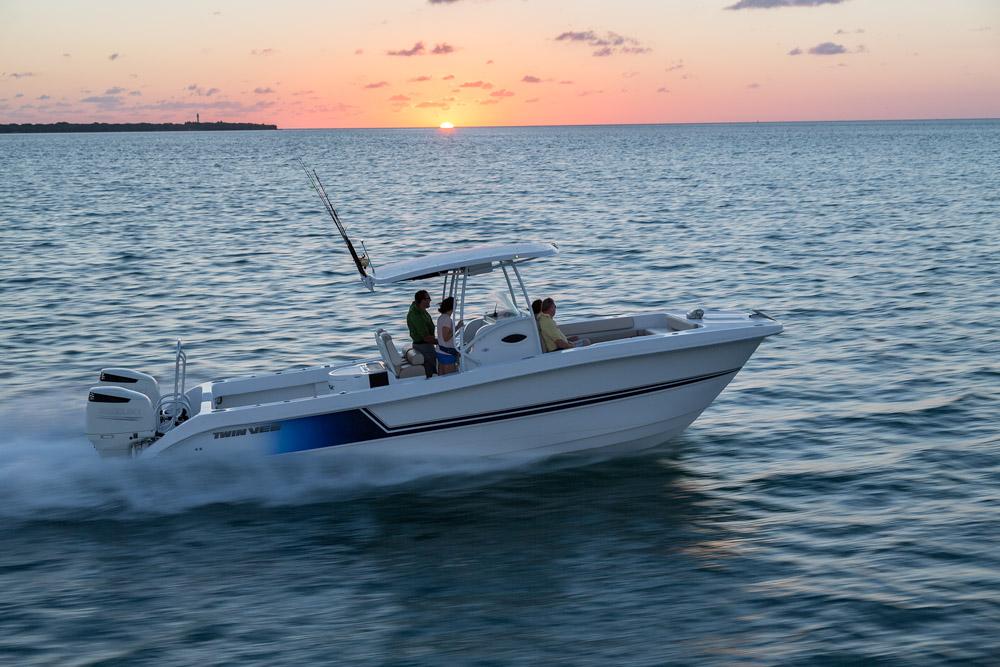 twinvee-power-catamarans-210.jpg
