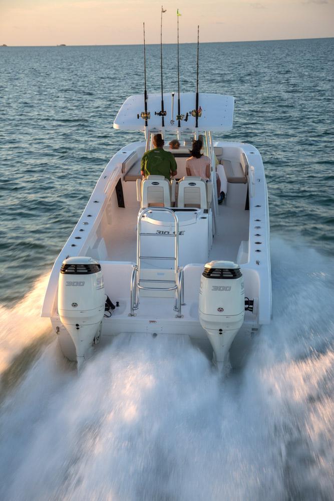 twinvee-power-catamarans-229.jpg