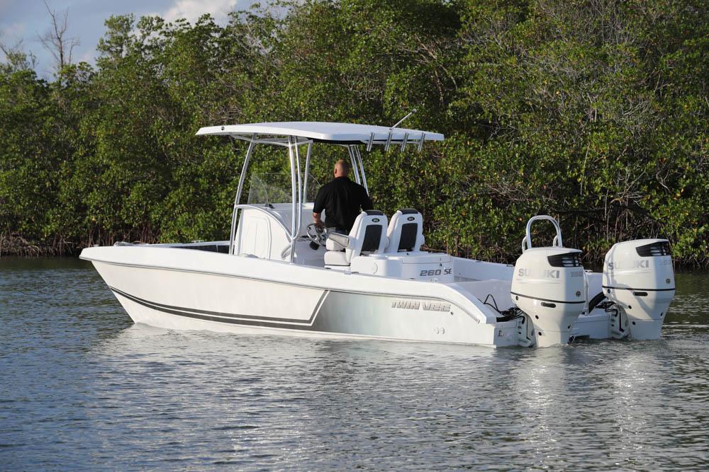 twinvee-power-catamarans-16.jpg