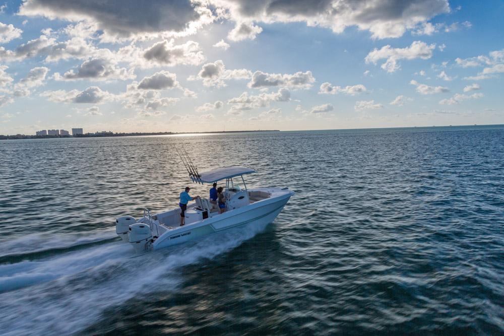 twinvee-power-catamarans-37.jpg