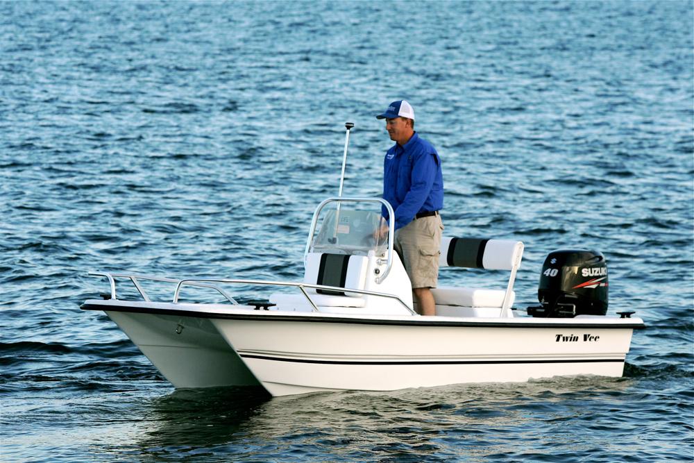 twinvee-power-catamarans-baycat-1.jpg