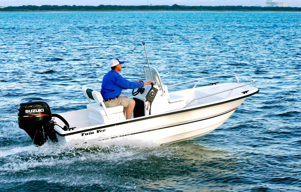 twinvee-power-catamarans-baycat-2.jpg