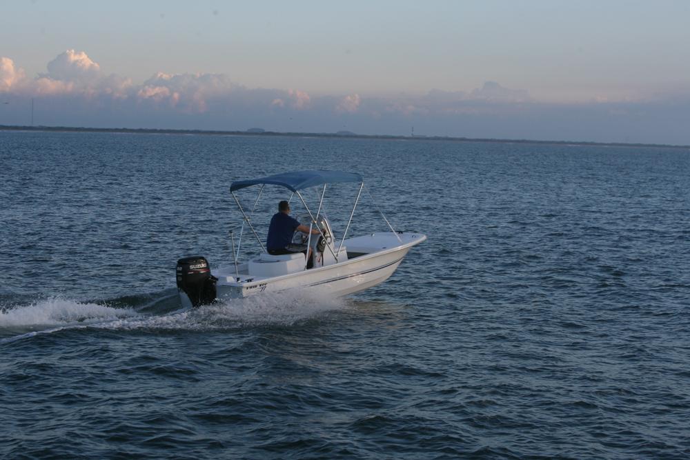 twinvee-power-catamarans-baycat-4.jpg