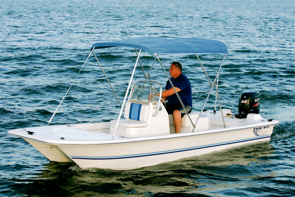 twinvee-power-catamarans-baycat-3.jpg