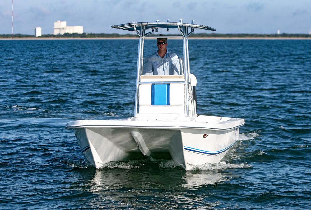 twinvee-power-catamarans-baycat-6.jpg