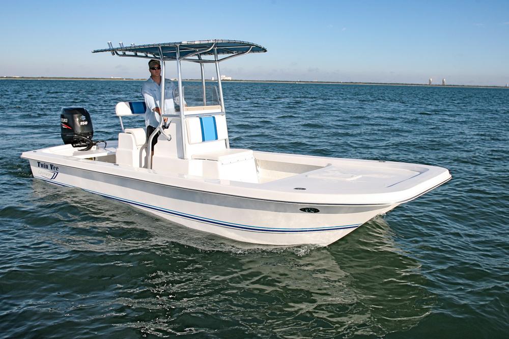 twinvee-power-catamarans-baycat-7.jpg