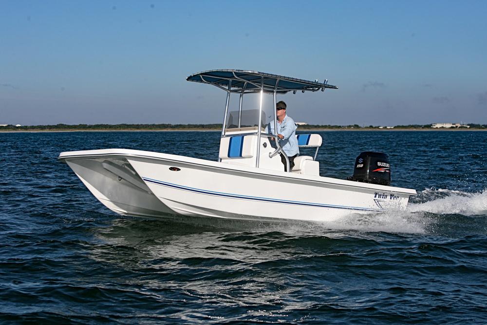 twinvee-power-catamarans-baycat-10.jpg