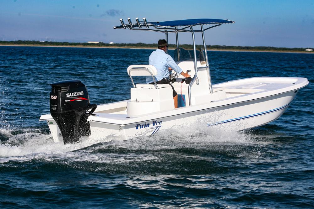 twinvee-power-catamarans-baycat-9.jpg