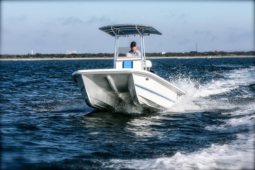 twinvee-power-catamarans-baycat-11.jpg