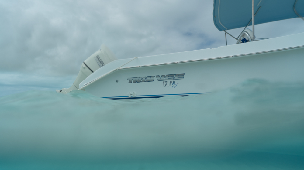twinvee-power-catamarans-260-exuma-19.jpg