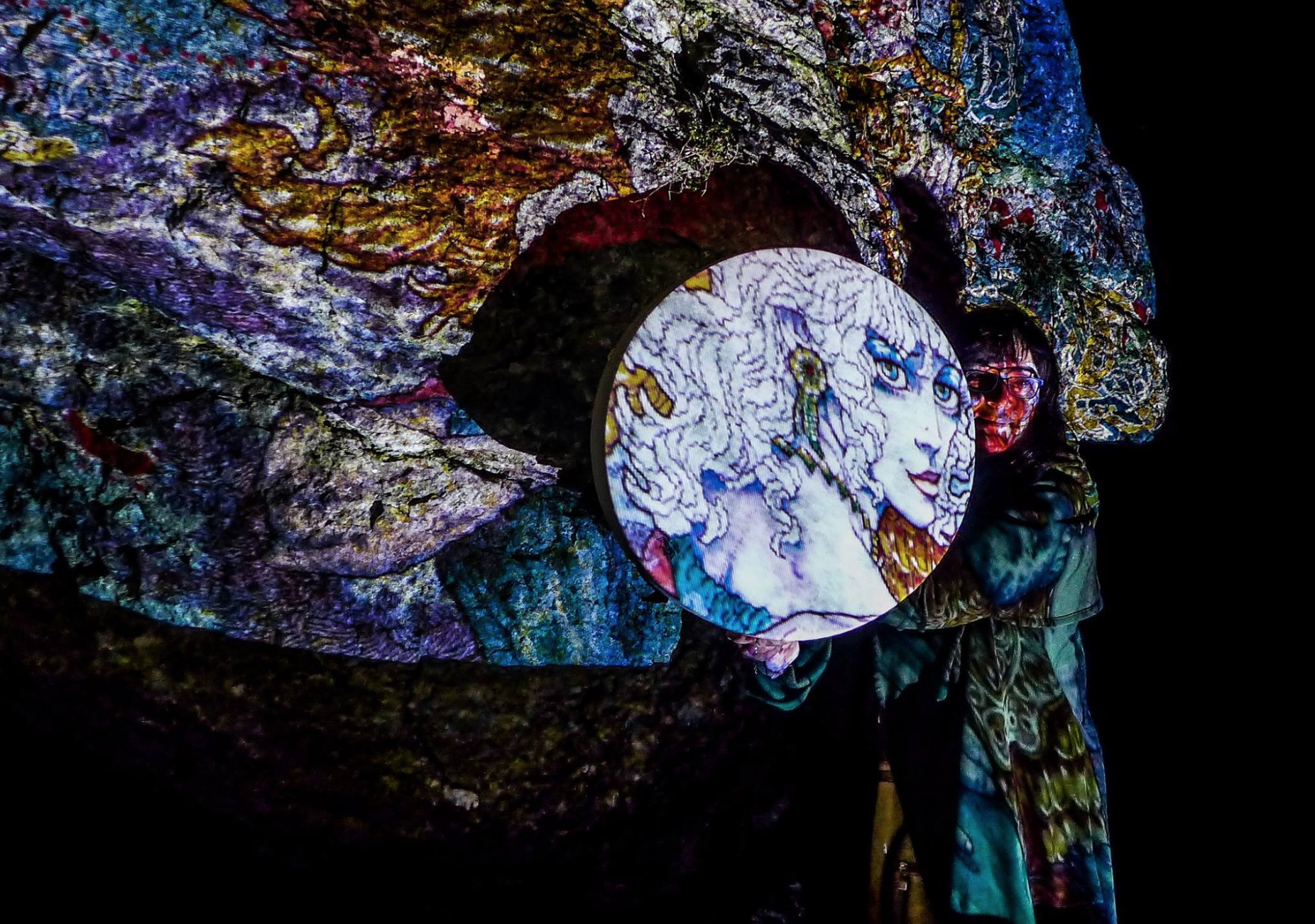 Ériu by Jim Fitzpatrick at the launch of the inaugural Herstory Light Festival in January 2017 on the Hill of Uisneach, Ancient Feminine Centre of Ireland. Photo by Kilian Kennedy.