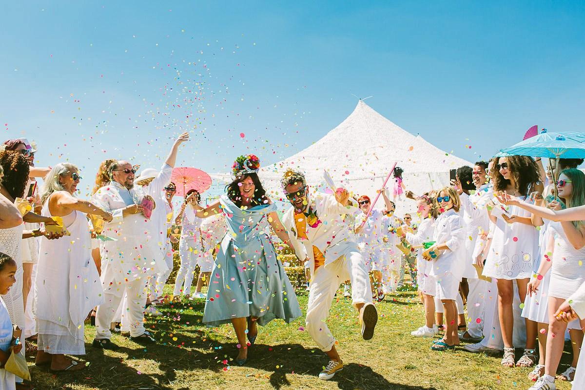 5 halfpenny-london-colourful-french-festival-wedding-49-1.jpg