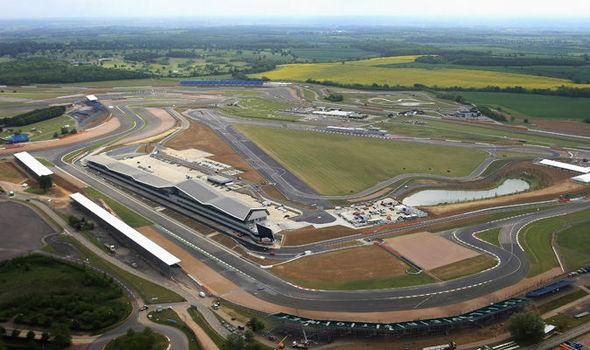 Silverstone-Circuit-756305.jpg