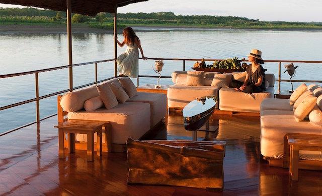 Delfin I: Observation Deck Lounge