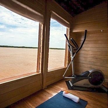 Delfin II: Exercise Room