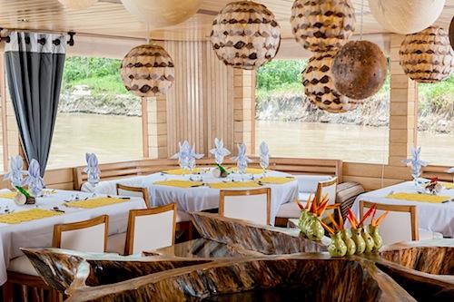 Delfin II: Dining Room