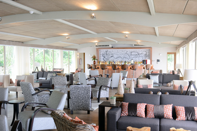 Delfin III: Canopy Lounge