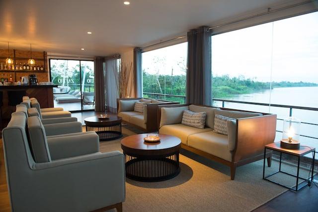 Zafiro Lounge