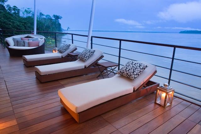 Zafiro Outdoor Lounge
