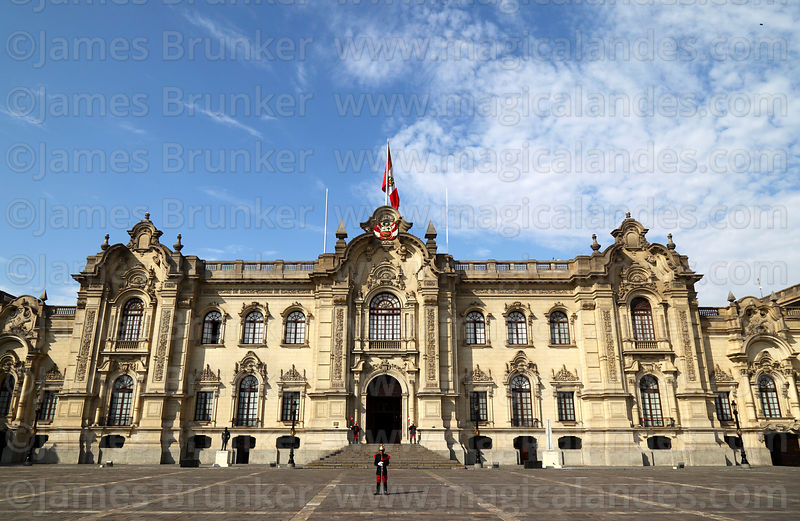 Presidential Palace, Plaza de Armas, Lima -  Photo © James Brunker, Magical Andes Photography