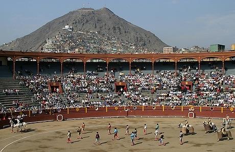 Rimac's Acho Bullring, with Cerro San Cristobal in the background.