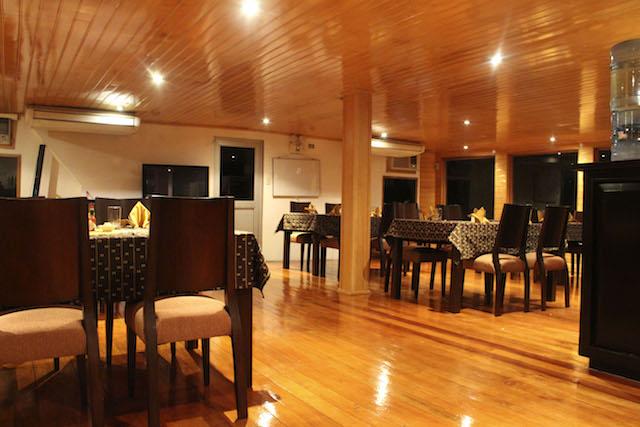 Delfin III: Dining Room