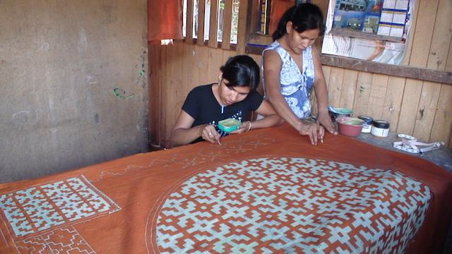 Shipibo-Konibo Textile - Mother & Daughter