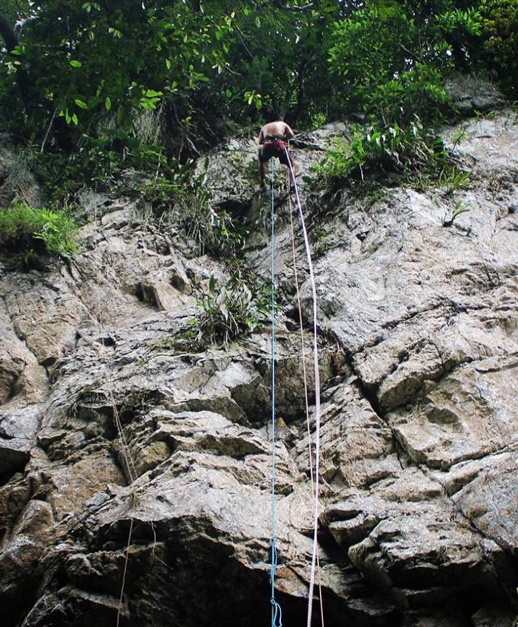 Tarapoto Adventure Excursions - Shilcayo River Abseiling - Descent.jpg