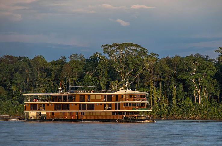 Anakonda Amazon Cruise - Side Profile in Napo River