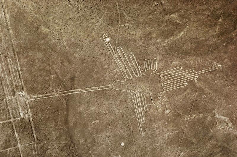 Paracas & Nazca Lines 3D - Hummingbird & Lines.jpg