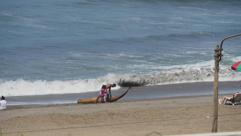 Huanchaco, La Libertad - Fisherman Returns.JPG